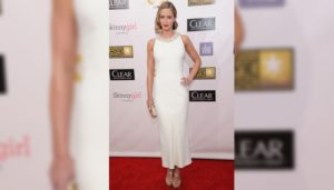 emily-blunt-fashion-style-statement-the-girl-on-the-train